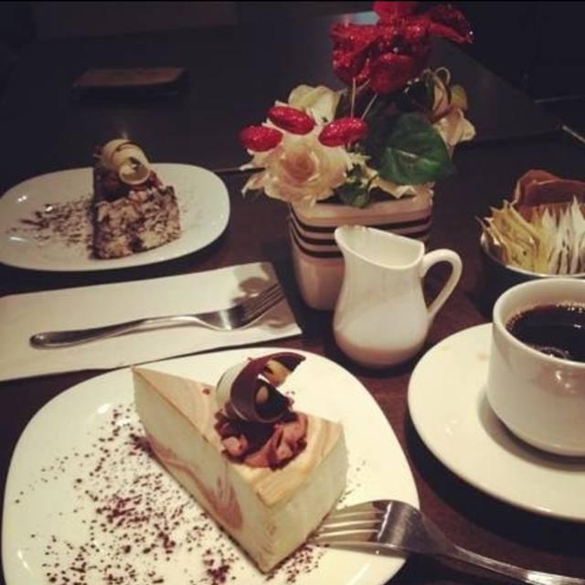 Carole's Cheesecake - Carole's Cheesecake Cafe, Toronto, ON