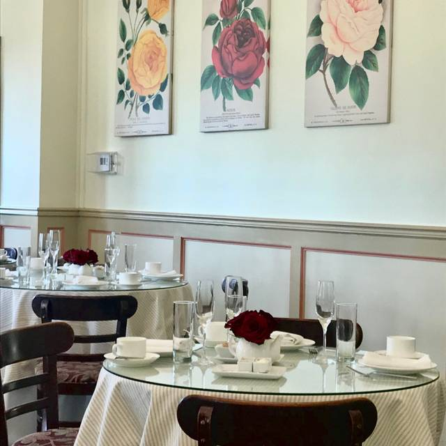 The Huntington's Rose Garden Tea Room, San Marino, CA