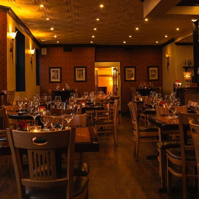 Restaurants In Dc With Private Dining Rooms: LiLLiES Italian Restaurant & Bar - Washington, DC