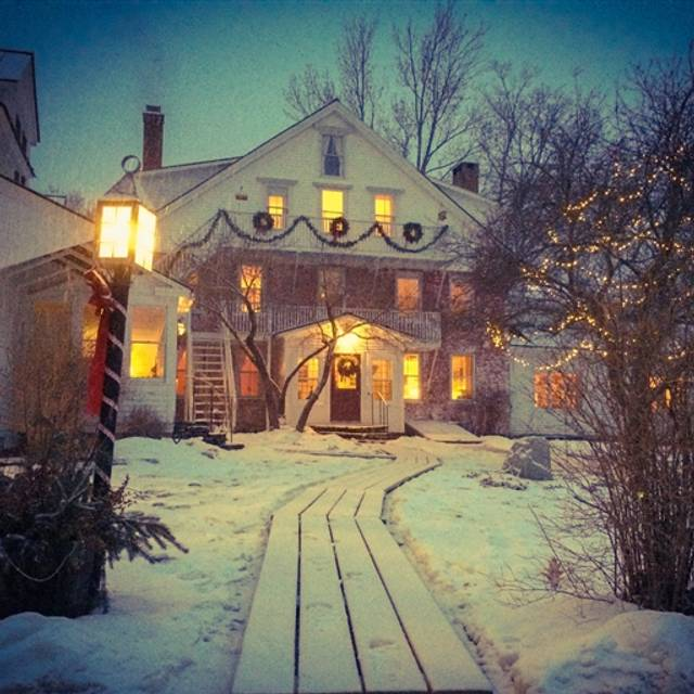 west townshend 311 lawrence drive, west townshend, vermont, 05359 tel: (802) 874-4080 toll  free: (800) 944-4080 fax: (802) 874-4702 info@windhamhillcom designed.
