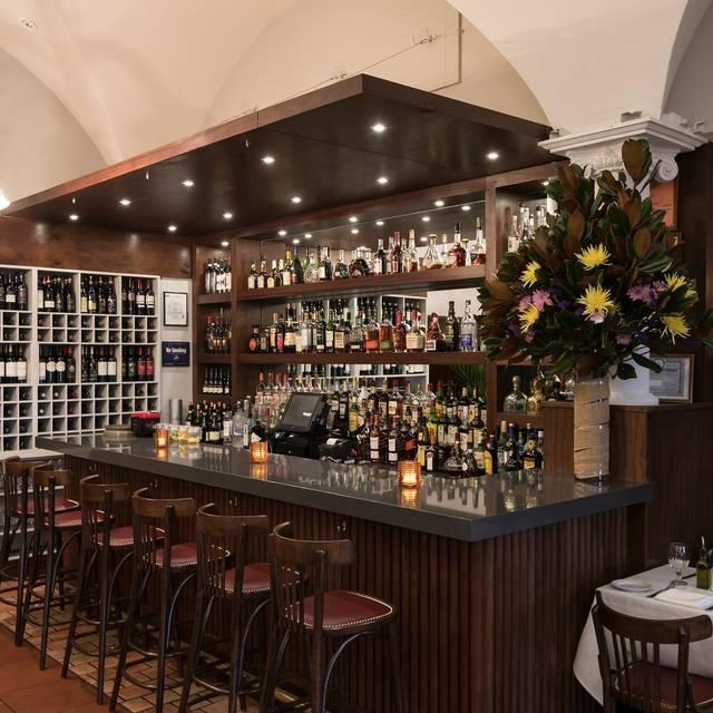 Bar sole - Sole Bistro Italiano, New York, NY