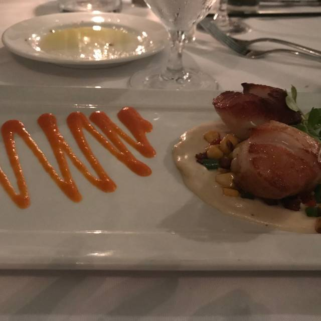 Pierre's Restaurant & Lounge, Islamorada, FL