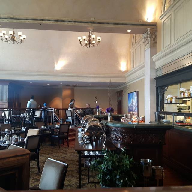 Harvest Room - Fairmont Hotel Macdonald, Edmonton, AB