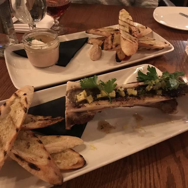 Little Jumbo Restaurant & Bar, Victoria, BC