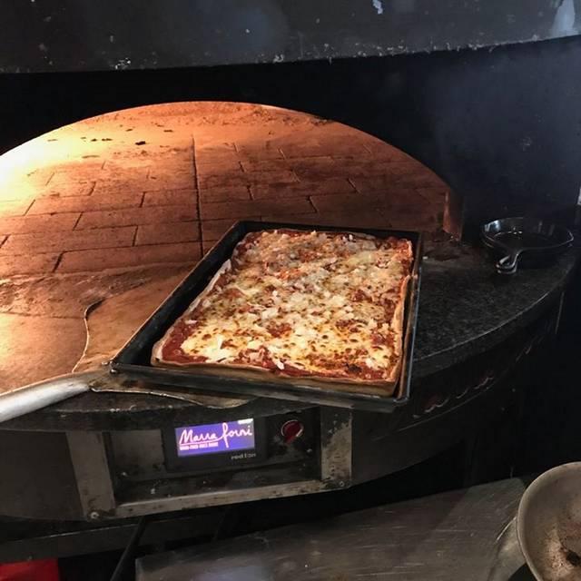 Mia's Italian Kitchen - Mia's Italian Kitchen, Alexandria, VA