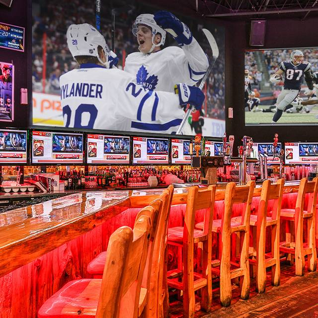 Gametime slider - GameTime Eatery and Entertainment - Mississauga, Mississauga, ON