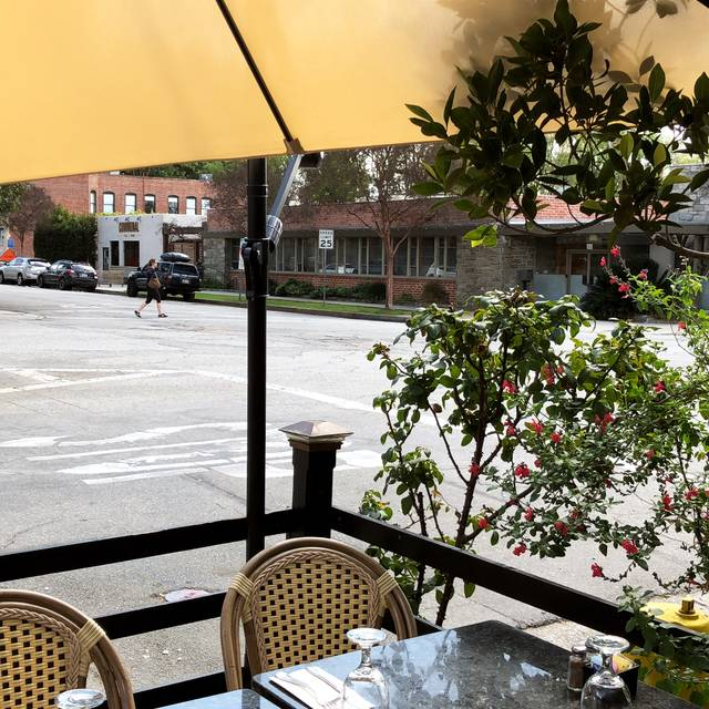 Cafe De La Gare South Pasadena