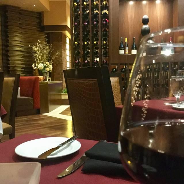 Main Dining Room - The Reserve Steakhouse - Harrah's Joliet, Joliet, IL