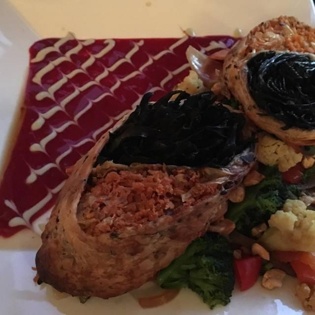 Raven's Restaurant - Stanford Inn by the Sea, Mendocino, CA