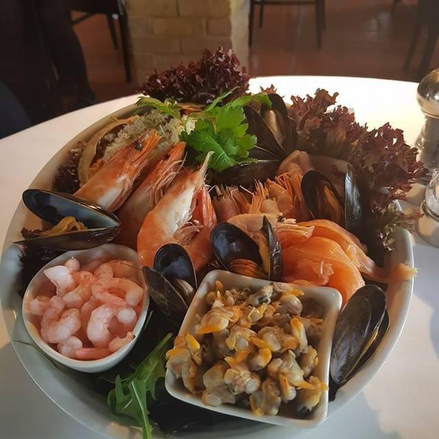 Smiths Restaurant Ongar, Ongar, Essex