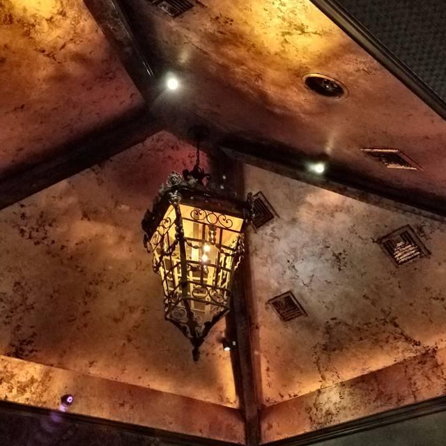Seven Quarts Tavern, Northport, NY