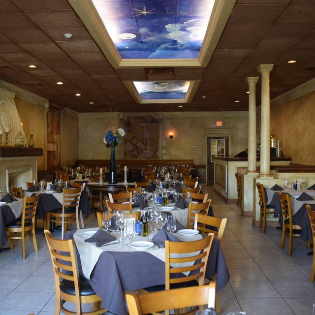 10 Restaurants Near Doubletree By Hilton Tinton Falls Eatontown Opentable
