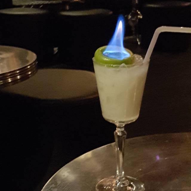 UNTITLED Champagne Lounge, Calgary, AB