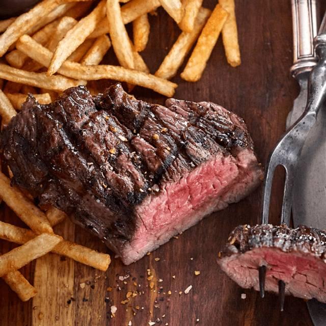Steak Frites - Bâton Rouge Steakhouse & Bar - Barrie, Barrie, ON