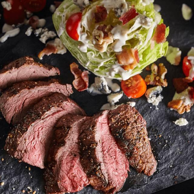 Steakhouse Wedge - Bâton Rouge Steakhouse & Bar - Whitby, Whitby, ON