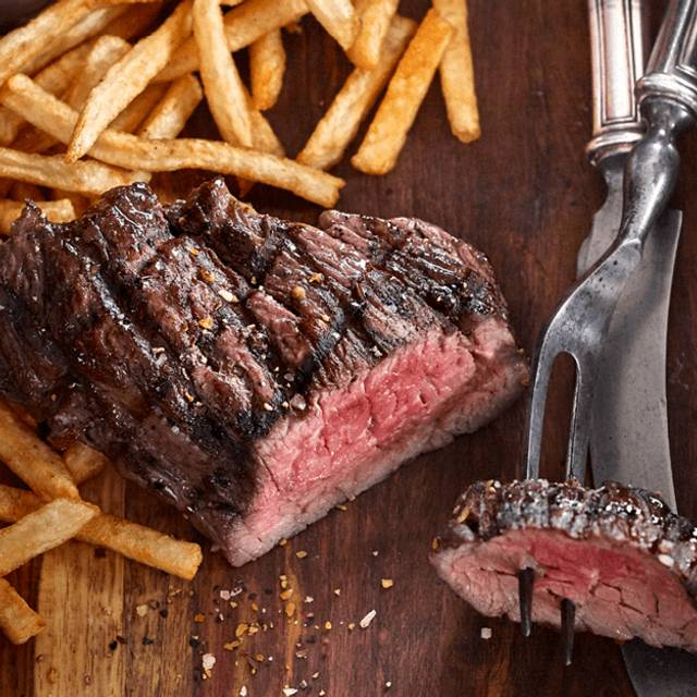 Steak Frites - Bâton Rouge Steakhouse & Bar - Greenfield Park, Greenfield Park, QC