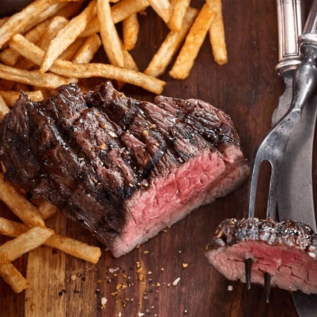 Steak Frites - Bâton Rouge Steakhouse & Bar - Sherbrooke, Sherbrooke, QC