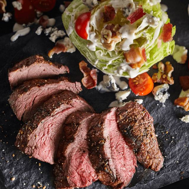 Steakhouse Wedge - Bâton Rouge Steakhouse & Bar - Ottawa, Ottawa, ON