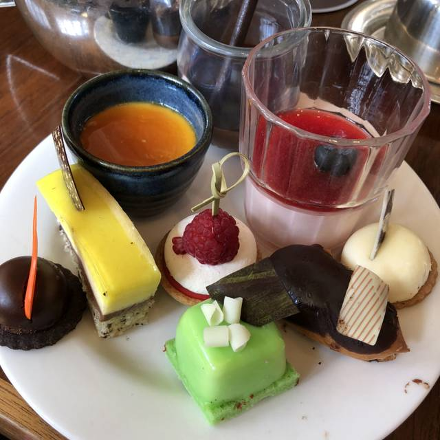 The Tea Lounge - Hyatt Hotel Canberra, Yarralumla, AU-ACT