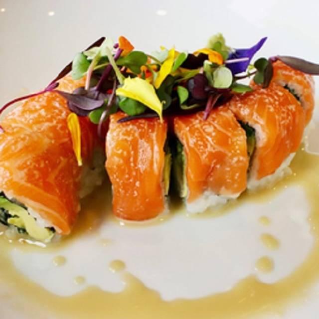 Kizuna Sushi Bistro, Glen Ellyn, IL