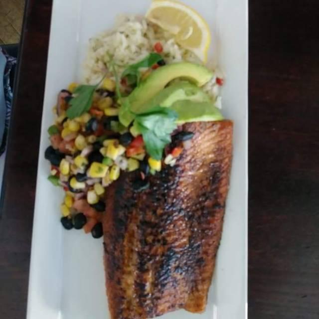 Diamonds Steak & Seafood - Howell, Howell, MI