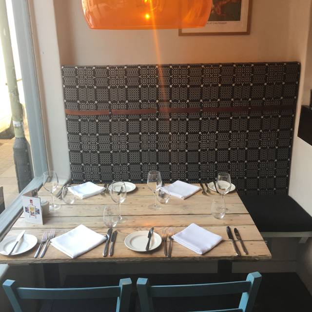 Front Table - The Suffolk Kitchen, Cheltenham, Gloucestershire