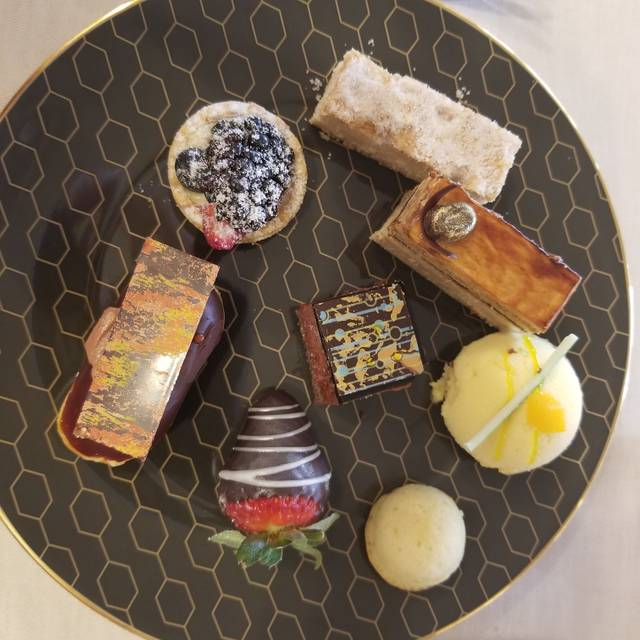 Afternoon Tea & Champagne Saturday – The Phoenician, Scottsdale, AZ