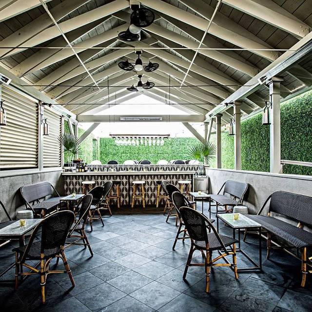Vintage Lounge, Charleston, SC