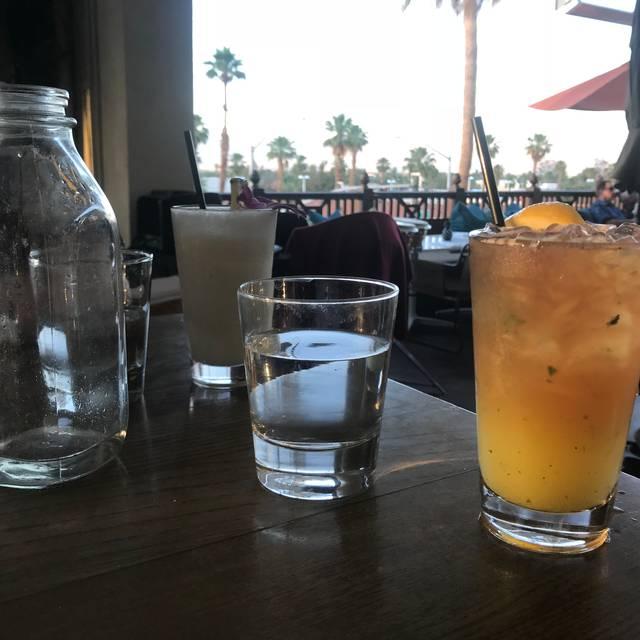 Tommy Bahama Restaurant & Bar - Palm Desert, Palm Desert, CA