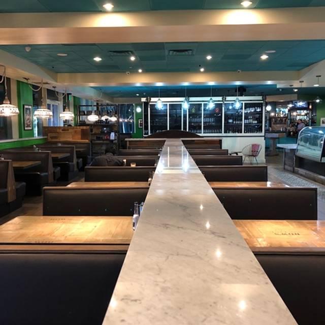 10 Restaurants Near The Promenade At Woodland Hills Ping Center Opentable