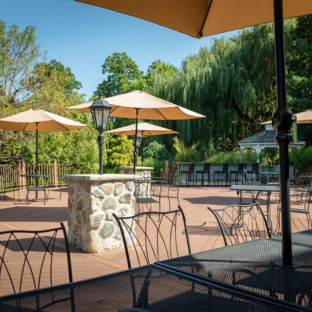 VIVO Mediterranean Grill & Catering, Bayside, NY