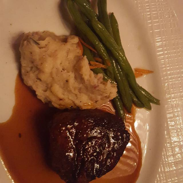 Russell's Steaks, Chops, and More, Williamsville, NY