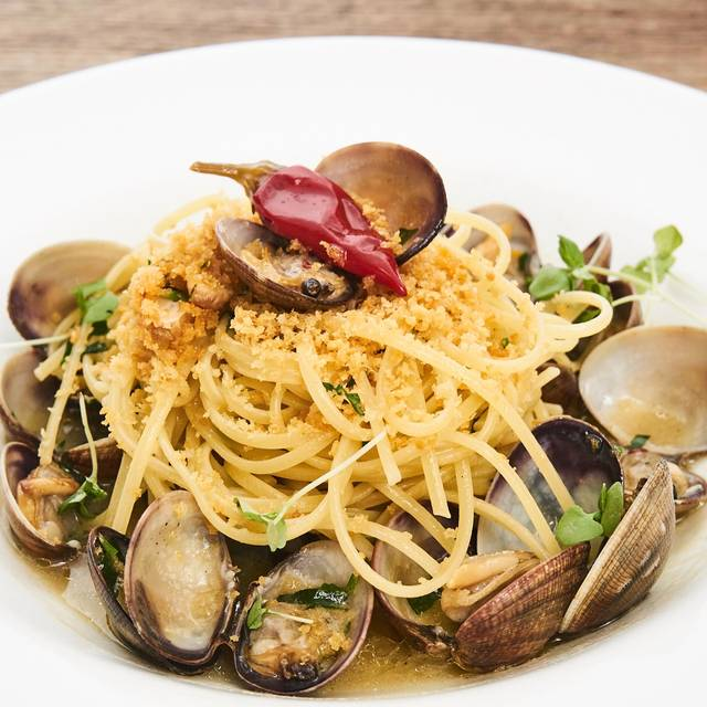 Linguine Alle Vongole - Arte Cafe, New York, NY