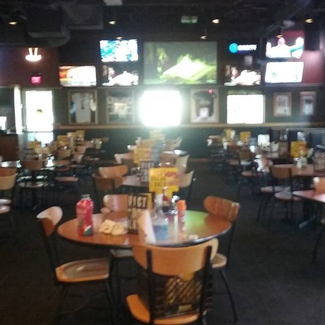 Dining Room - Buffalo Wild Wings - Shreveport, Shreveport, LA