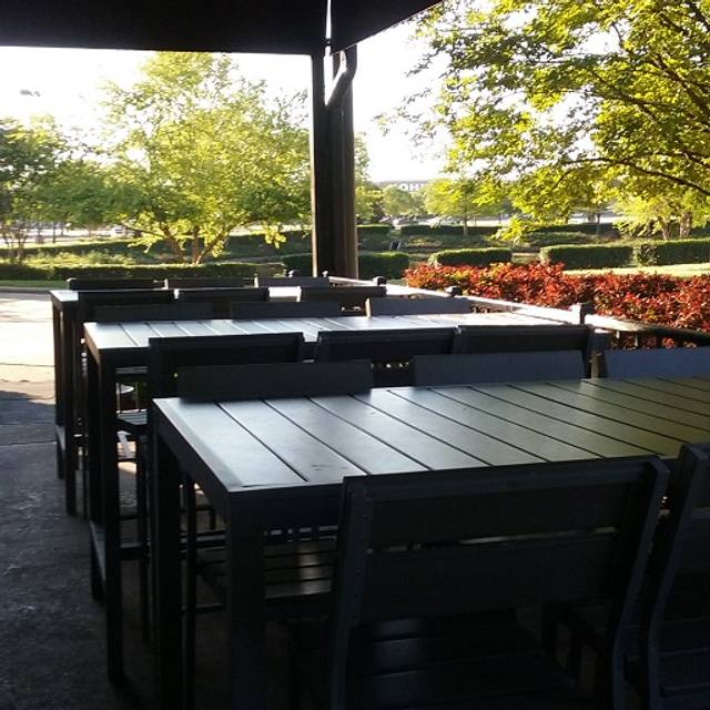 Patio - Buffalo Wild Wings - Shreveport, Shreveport, LA