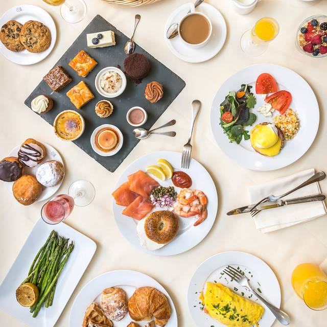 Sunday brunch - Brasserie 8 1/2, New York, NY