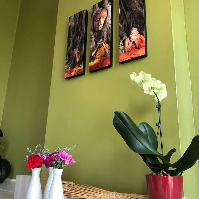 Banana Leaf Modern Thai, Mason, OH