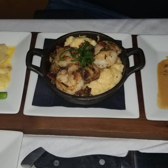 Flight Restaurant & Wine Bar - Memphis, Memphis, TN