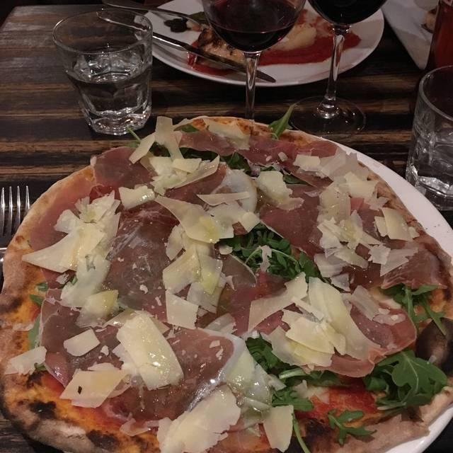 Baciccia Pizza e Cucina, Brooklyn, NY