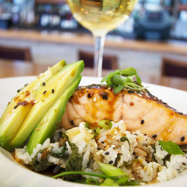 Blr-salmon-dish W-wine Edited Px Preview - Rockwood Grill and Blue Star Lounge, Palm Desert, CA
