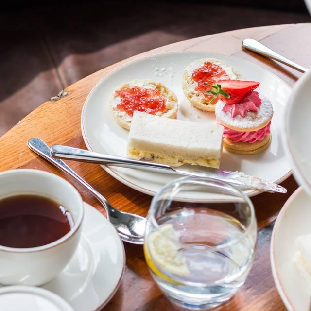 Radisson Blu Edwardian Afternoon Tea - Afternoon Tea at The New Providence Wharf Hotel, Canary Wharf, London