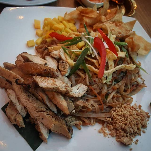Dee Thai Cuisine, Toronto, ON