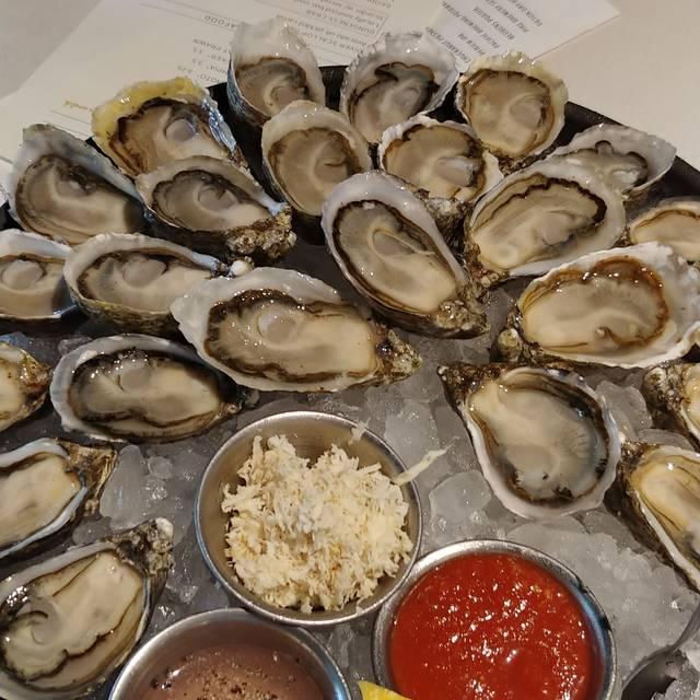 Taylor Shellfish Oyster Bar - Bellevue, Bellevue, WA