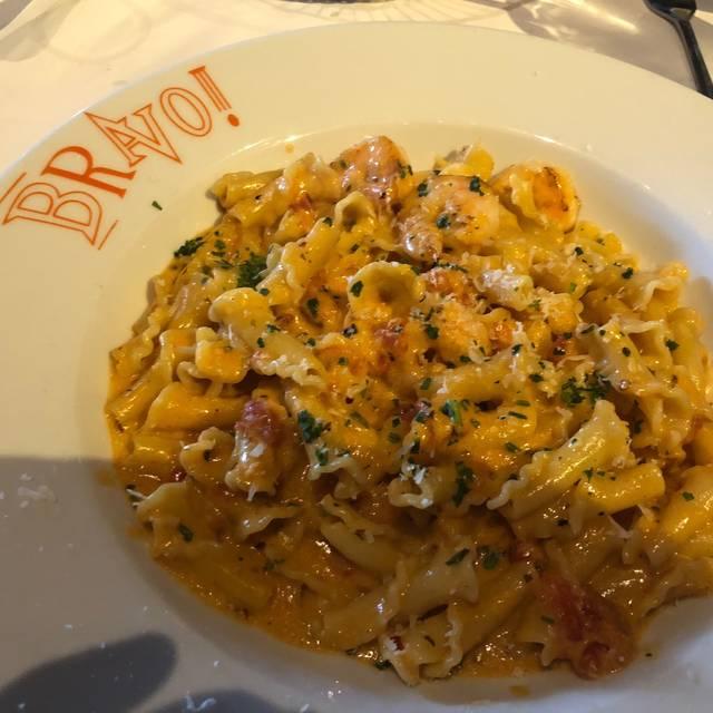 BRAVO Cucina Italiana - Omaha - Village Pointe, Omaha, NE