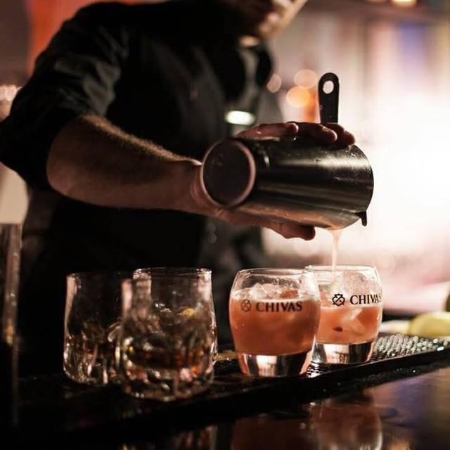 Resto-Pub Manoir Antic, Champlain, QC