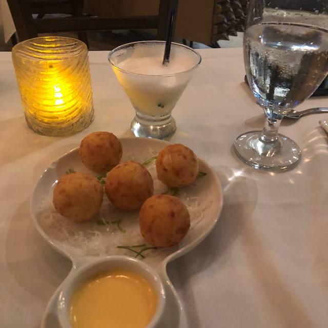 O'Lima Signature Cuisine, Bay Harbor Islands, FL