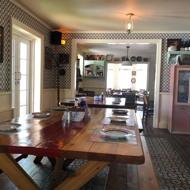 27 Restaurant - The Freehand, Miami Beach, FL
