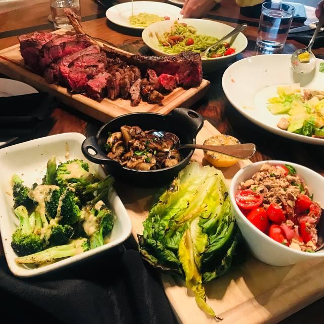 Briggs Kitchen + Bar, Calgary, AB
