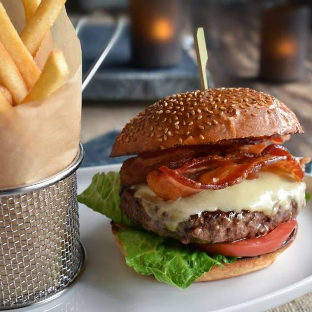 Cheddar Burger - Sandler's On 9th, Philadelphia, PA