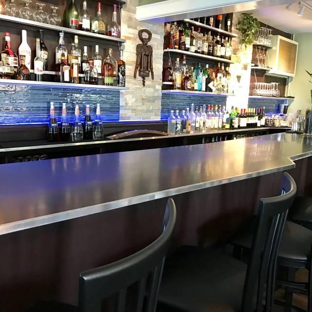 Bar Horizontal - Craft and Cork Gastropub, Hamburg, NY